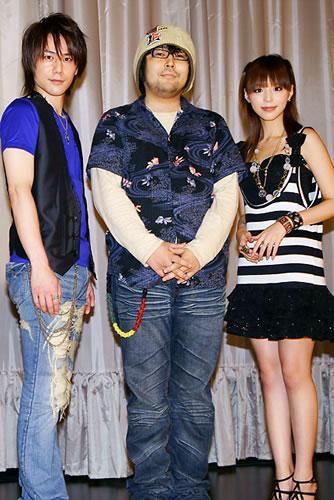 左から根本正勝さん、アオキタクト監督、平野綾さん